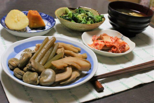 そら豆とフキとたけのこの煮物など、野菜づくしのメニュー