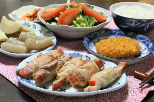 豚肉巻き(にんじんと高野豆腐)など、おばあがつくった晩ごはんのメニュー