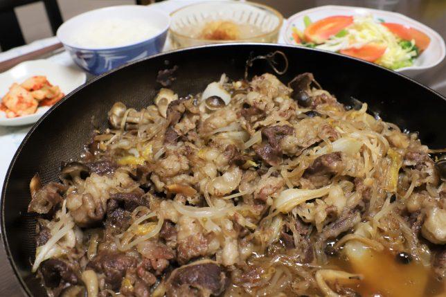 晩ごはんにおばあがつくった、牛肉の炊いたんすき焼き風