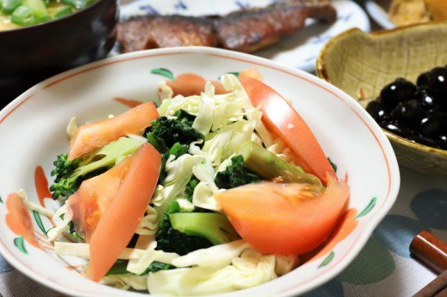 おばあがいつも健康のためにつくる野菜サラダ