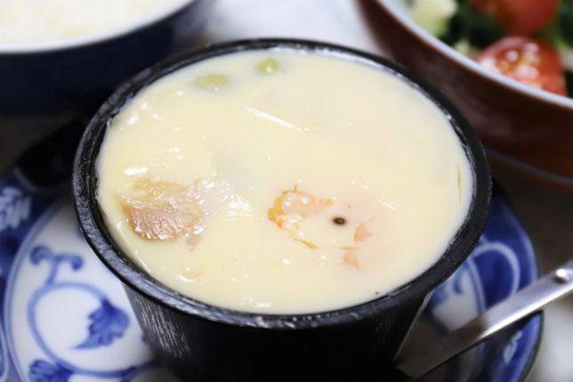 おばあがスーパーで買ってきた高級茶碗蒸し「鰹と昆布のだし仕立て海老茶わんむし」(太陽食品)