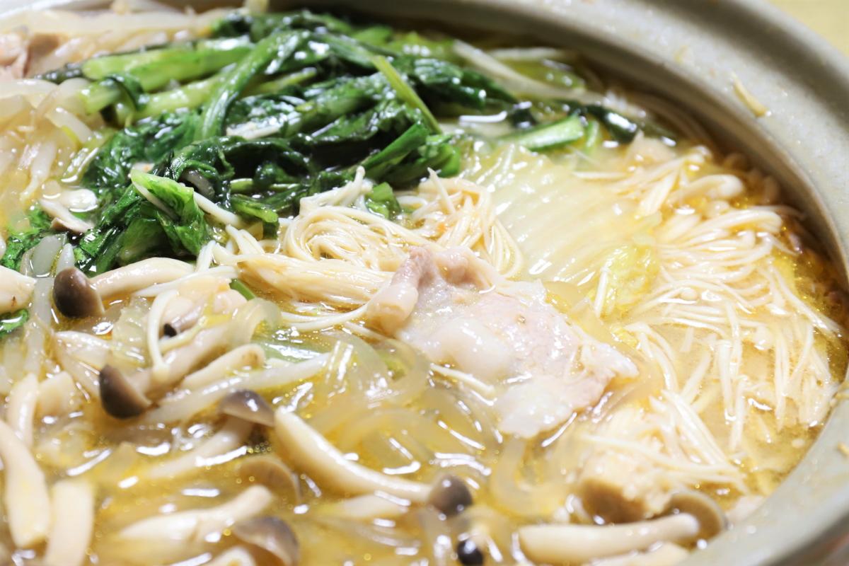 「とり野菜みそごまみそ鍋スープ」で祖母(おばあ)が作った鍋
