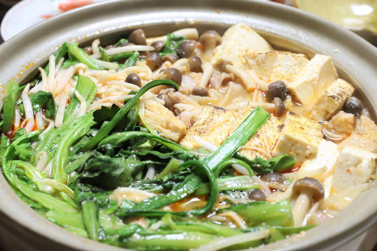 ピリ辛とり野菜みそ鍋ができたところ