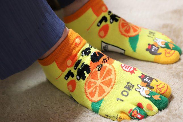 おばあが履いていた派手な靴下