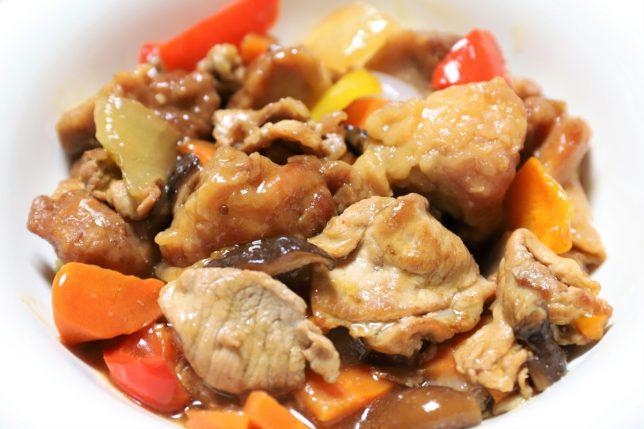 いつもの酢鶏に豚肉を投入した酢鶏豚