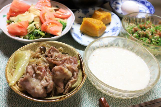 豚肉のすき焼きやとろろなど、祖母(おばあ)が作った晩ごはんのメニュー