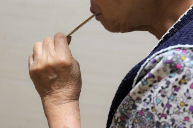祖母(おばあ)が食べたパルムの棒