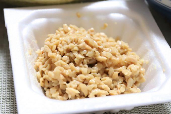 ひきわり納豆をかき混ぜたところ