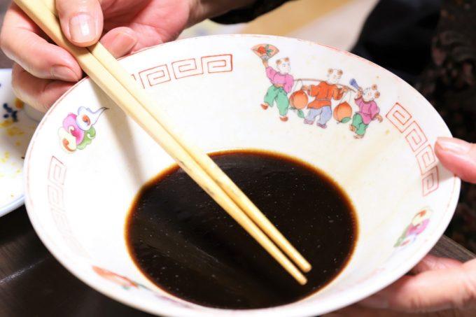 麺屋いろはの「富山ブラックラーメン」を食べきったところ
