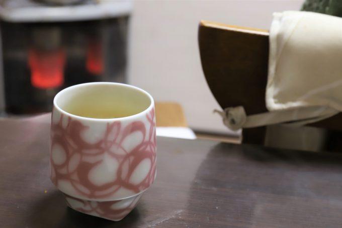 祖母(おばあ)の家のお茶の入った湯呑