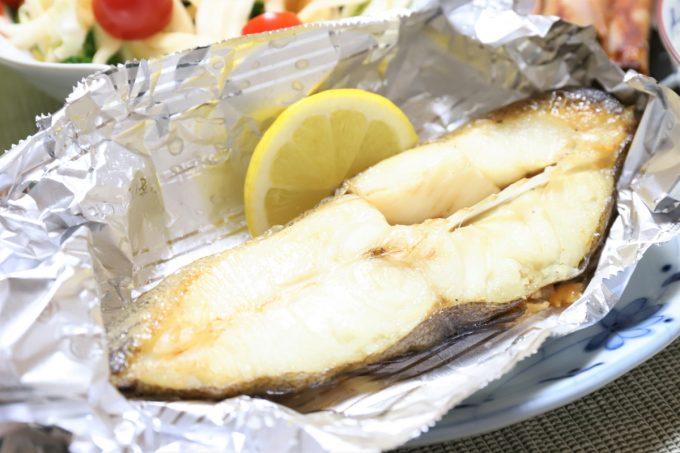 ストーブの上で焼いたムツらしき焼き魚