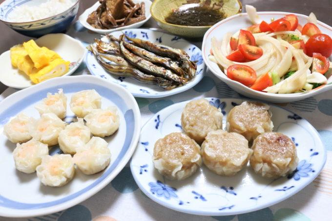 日本ハム「四川焼売」や、冷蔵シュウマイ、子持ちシシャモなど祖母(おばあ)が作った晩ごはん