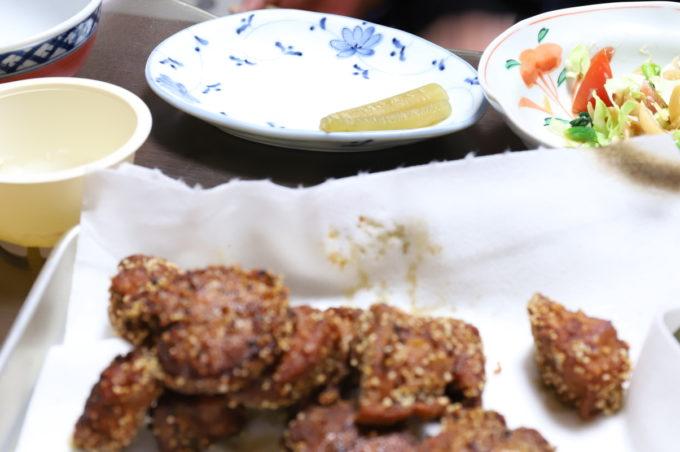 「揚げずにからあげ」を使った鶏の唐揚げや煮物など、祖母が食べたところ