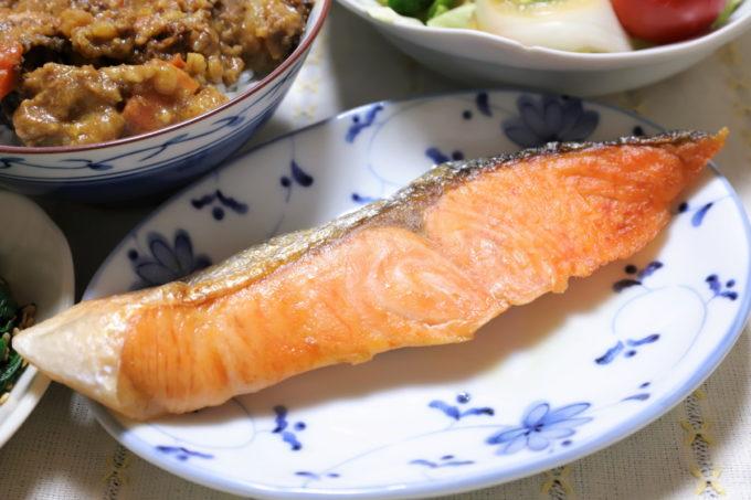 晩ごはんに出てきた焼き鮭