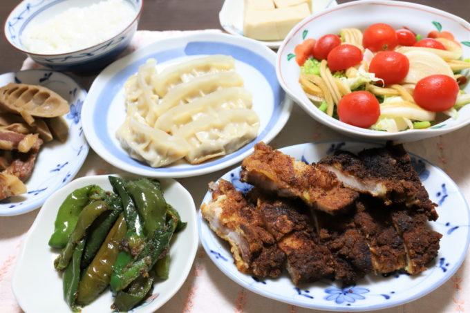 トンカツや餃子など、祖母(おばあ)が作った晩ごはんの献立