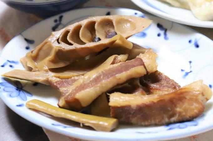祖母(おばあ)が作った豚トロとタケノコの煮物