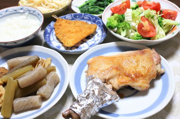 鶏のもも焼きや煮物など、祖母(おばあ)が誕生日に作った晩ごはん
