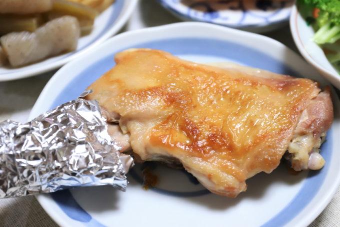 祖母(おばあ)が誕生日に作った鶏のもも焼き