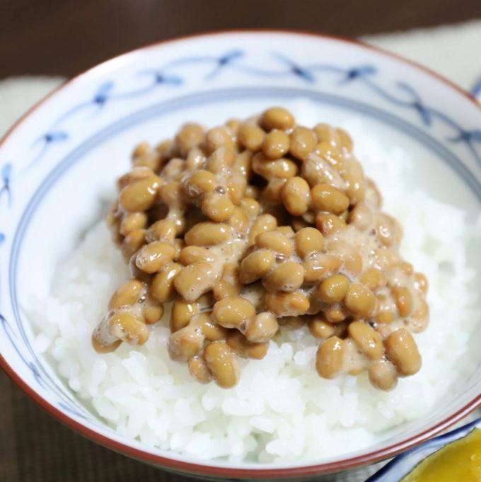 たまご醤油たれ納豆をごはんにかけたところ