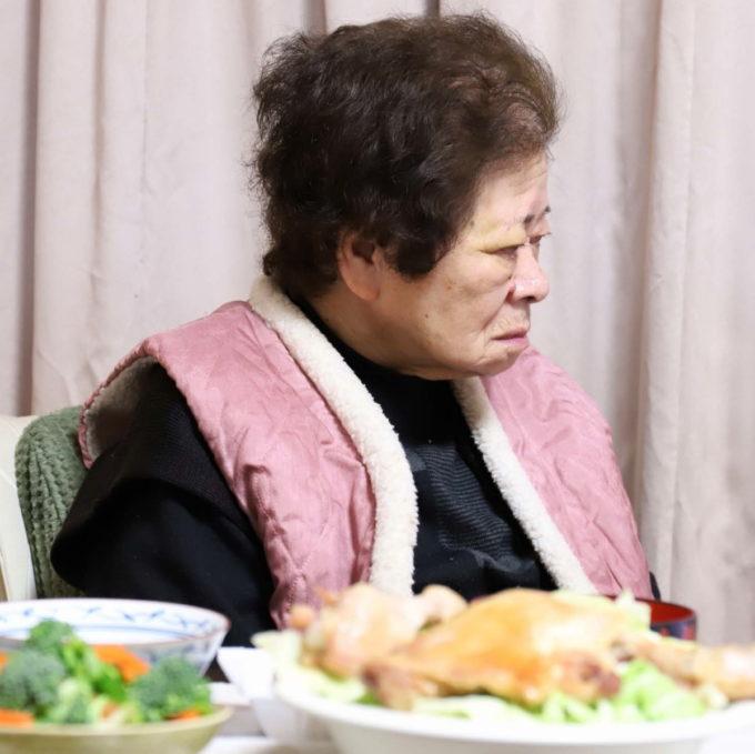 クリスマスイブの祖母(おばあ)とおばあが作ったクリスマスディナー