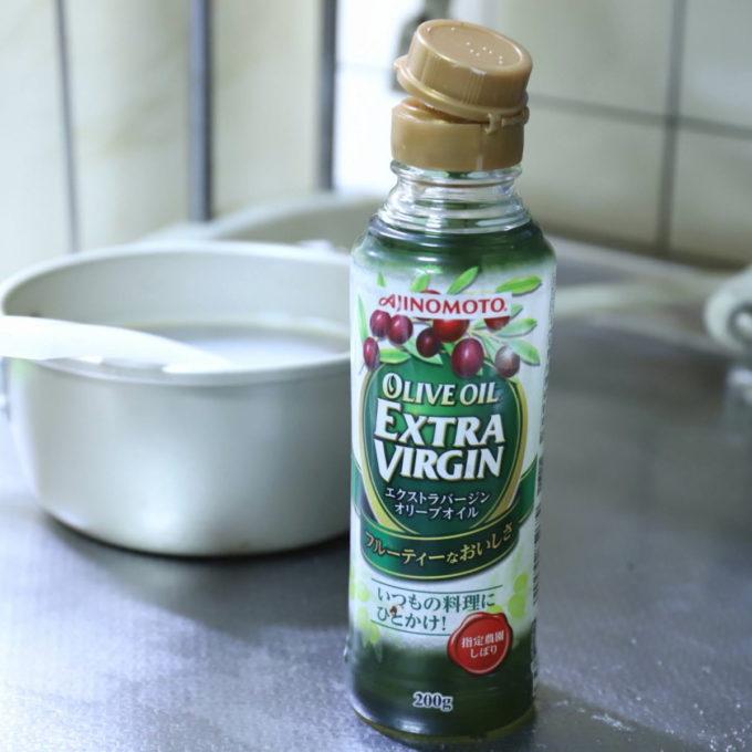エクストラバージンオリーブオイルの瓶