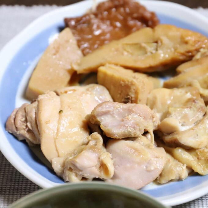 祖母が作った鶏肉とチクワの煮物