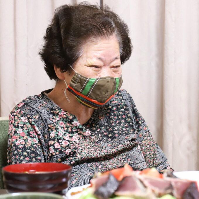 孫の僕が晩ごはんを食べに行くと、笑顔で迎えてくれる祖母(おばあ)
