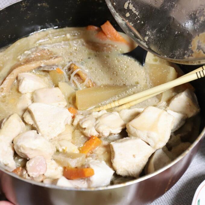祖母(おばあ)が作った味噌味の鍋