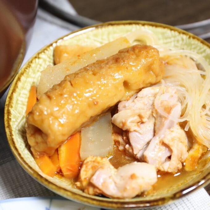 小皿によそったキムチ鍋の具材